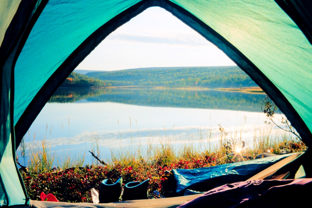 Top Lakes To Visit That Are Perfect For Campsites